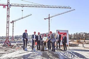 Der Grundstein zum neuen Stadion liegt. Hier entsteht die neue Heimat des SC (Foto: Achim Keller)