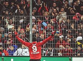 2011: Torgefahr hat einen Namen: Papiss Demba Cissé. Der Senegalese wird mit 22 Toren Zweiter in der Bundesliga-Torschützenliste 2010/11. (Foto: Achim Keller)